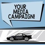 Escrevendo a nota que mostra sua campanha dos meios Esforço de mercado apresentando da foto do negócio para reforçar a assistênci ilustração royalty free