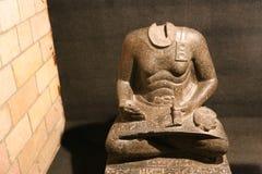 Escrevente assentado no museu de Luxor foto de stock royalty free