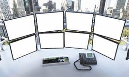 Escritório com os monitores vazios, processando dados para trocar, yor novo Fotografia de Stock Royalty Free