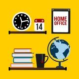 Escritório domiciliário - prateleira com pulso de disparo, calendário, globo, livros e caneca do chá Fotos de Stock