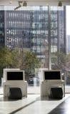 Escritório e arquitetura moderna Fotos de Stock Royalty Free