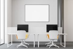 Escritório moderno branco do espaço aberto, cartaz Imagens de Stock Royalty Free