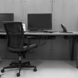 Escritório moderno com computador Fotos de Stock