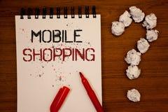 Escrita conceptual da mão que mostra a compra móvel Rádio tecnologico de compra apresentando da compra dos produtos da foto do ne Imagens de Stock Royalty Free