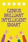 Escrita conceptual da mão que mostra a gênio Smart inteligente brilhante Foto do negócio que apresenta a inteligência brilhante i ilustração do vetor