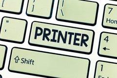 Escrita conceptual da mão que mostra a impressora Dispositivo apresentando da foto do negócio usado para imprimir as coisas feita foto de stock royalty free
