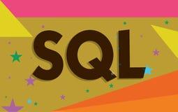 Escrita conceptual da mão que mostra o Sql Linguagem de programação padrão do texto A da foto do negócio para o sistema de gerenc ilustração royalty free