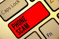 Escrita conceptual da mão que mostra o telefone Scam Texto da foto do negócio que recebe chamadas indesejáveis promover produtos  imagem de stock royalty free