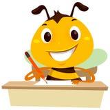 Escrita da abelha em um pedaço de papel na tabela Fotografia de Stock