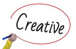 A escrita da mão da mulher cria criativo com o marcador Fotos de Stock