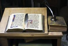 Escrita do livro histórico Imagens de Stock Royalty Free