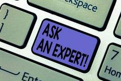 A escrita do texto da escrita pergunta a um perito O significado do conceito consulta pedir profissional o conselho faz uma pergu fotos de stock royalty free