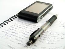 Escrita escrita à mão da letra com pena e pH móvel imagem de stock royalty free