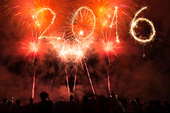 2016 escrito com fogos-de-artifício como um fundo Fotos de Stock Royalty Free