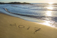 2017 escrito na areia Fotografia de Stock Royalty Free