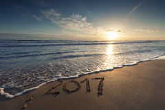 2017 escrito no Sandy Beach Imagens de Stock