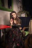 Escritor de sexo femenino Imagen de archivo