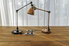 Escritorio con la lámpara Foto de archivo