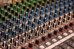 Escritorio de control audio fotografía de archivo