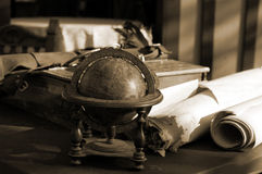 Escritorio de los eruditos Imágenes de archivo libres de regalías