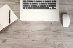Escritorio de trabajo con el espacio de la copia Imágenes de archivo libres de regalías