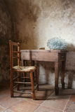 Escritorio y silla Foto de archivo libre de regalías