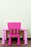 Escritorio y silla de los niños Fotos de archivo libres de regalías