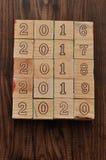 2016 2017 2018 2019 2020 escritos con los bloques de madera Foto de archivo libre de regalías