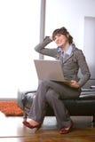 Escritório moderno da mulher de negócio Imagens de Stock Royalty Free