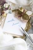 Escritura con amor Imagen de archivo libre de regalías