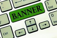 Escritura conceptual de la mano que muestra la bandera Foto del negocio que muestra el lema o el diseño largo del transporte del  fotografía de archivo