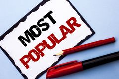 Escritura conceptual de la mano que muestra la más popular Producto o artista preferido 1r del bestseller del grado del top del t Fotos de archivo libres de regalías