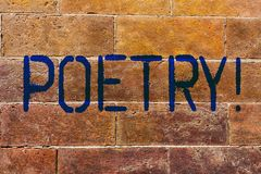 Escritura conceptual de la mano que muestra poesía Foto del negocio que muestra la expresión del trabajo literario de las ideas d fotos de archivo libres de regalías