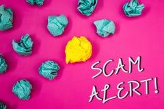 Escritura conceptual de la mano que muestra a Scam llamada de motivación alerta Fotos del negocio que muestran la advertencia de  Fotos de archivo
