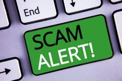 Escritura conceptual de la mano que muestra a Scam llamada de motivación alerta Las fotos del negocio mandan un SMS a la adverten Fotos de archivo