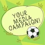 Escritura conceptual de la mano que muestra su medios campaña Esfuerzo de márketing de exhibición de la foto del negocio para ref ilustración del vector