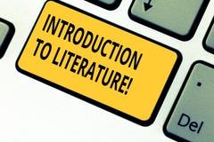 Escritura de la nota que muestra la introducción a la literatura Foto del negocio que muestra curso Collegepreparatory de la comp imagenes de archivo