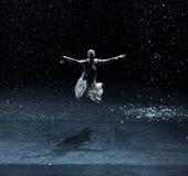 Escritura de los poemas en una noche nevosa 5-Act 1: Hay otro brote foto de archivo