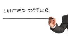 Escritura de oferta limitada en whiteboard virtual Fotografía de archivo libre de regalías