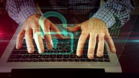 Escritura del hombre en el teclado del ordenador portátil con el candado