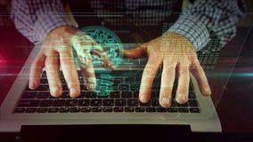 Escritura del hombre en el teclado del ordenador port?til con la bombilla
