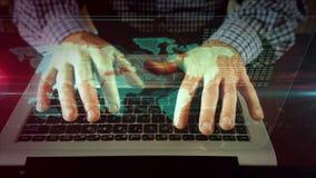 Escritura del hombre en el teclado del ordenador portátil con el mapa del mundo almacen de metraje de vídeo