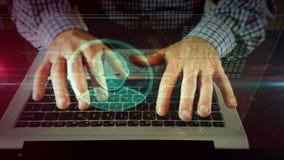 Escritura del hombre en el teclado del ordenador port?til con el holograma principal de la forma almacen de metraje de vídeo