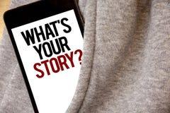 Escritura del texto de la escritura cuál es su pregunta de la historia El significado del concepto conecta comunica color de la e fotografía de archivo
