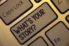 Escritura del texto de la escritura cuál es su pregunta de la historia El significado del concepto conecta comunica el teclado de imagenes de archivo