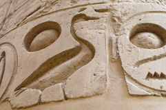 Escritura jeroglífica en Karnak, Egipto. Imagen de archivo
