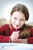 Escritura positiva linda de la muchacha Imagen de archivo