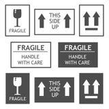 Escrituras de la etiqueta de envío frágiles Fotografía de archivo libre de regalías
