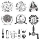 Escrituras de la etiqueta del pub de la cerveza, divisas y colección de los iconos Foto de archivo libre de regalías