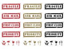 Escrituras de la etiqueta e iconos sucios de envío Imagenes de archivo
